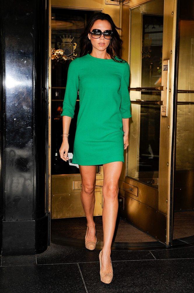 victoria beckham grünes kleid