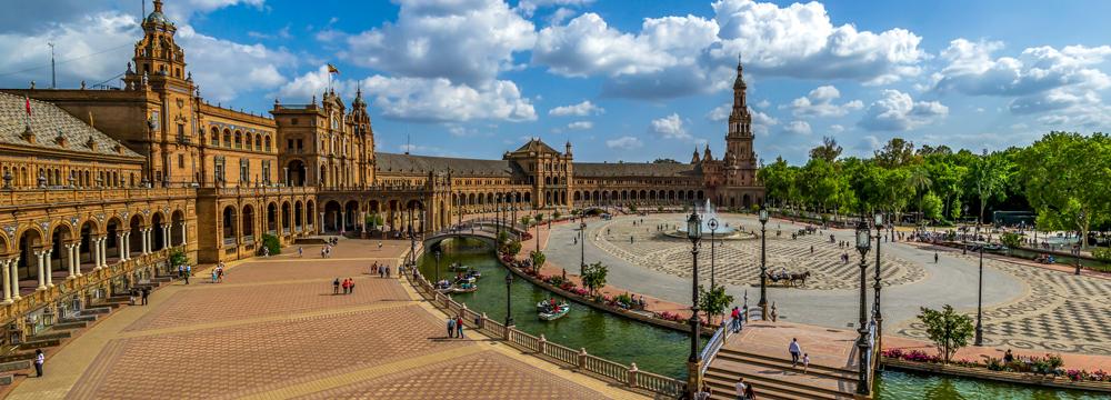 Panoramablick auf die Plaza de Espana