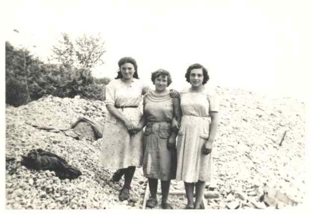 3 Frauen in den 40er Jahren