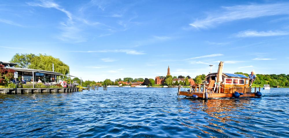 Mit dem Hausboot auf dem Malchower See in Mecklenburg