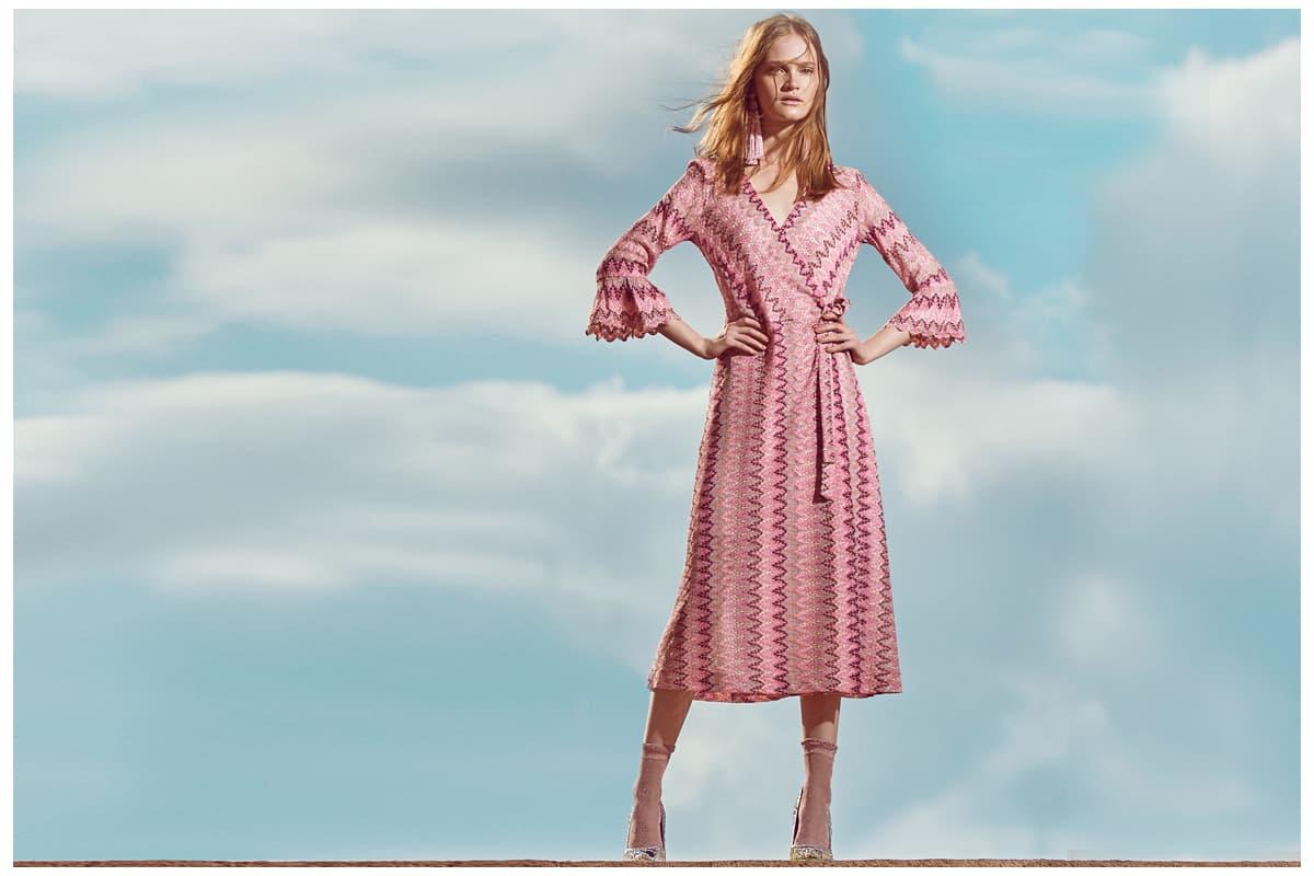 Auswahl an Kleider in der Farbe Rosa