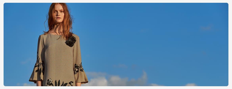 Beige Kleider by Ana Alcazar