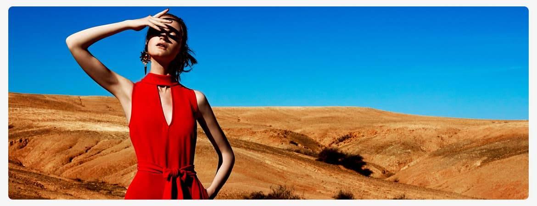 Rote Kleider by Ana Alcazar