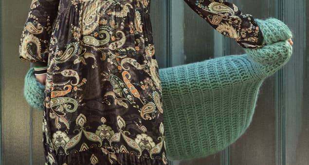 Bohokleid mit Paisleymuster in herbstlichen Farben