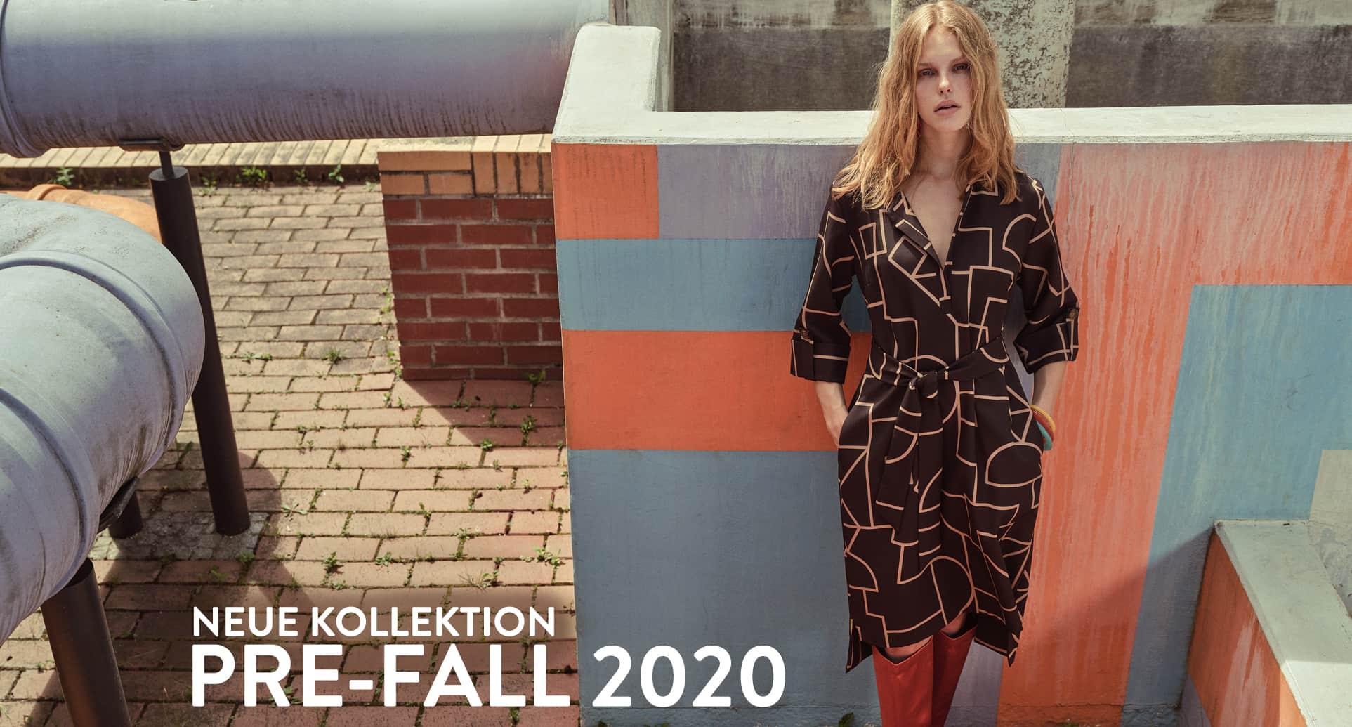 Model trägt Etuikleid aus der neuen Herbst/Winter Kollektion 2020