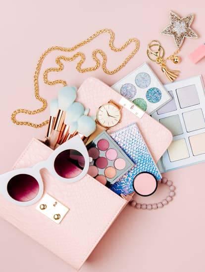 Accessoires passend zu rosafarbigen Outfits
