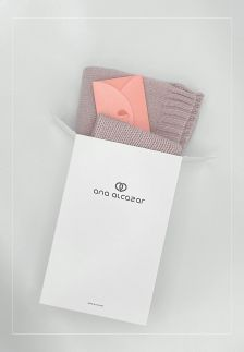 Cadeauset BLUSH sjaal + beanie + € 50 voucher