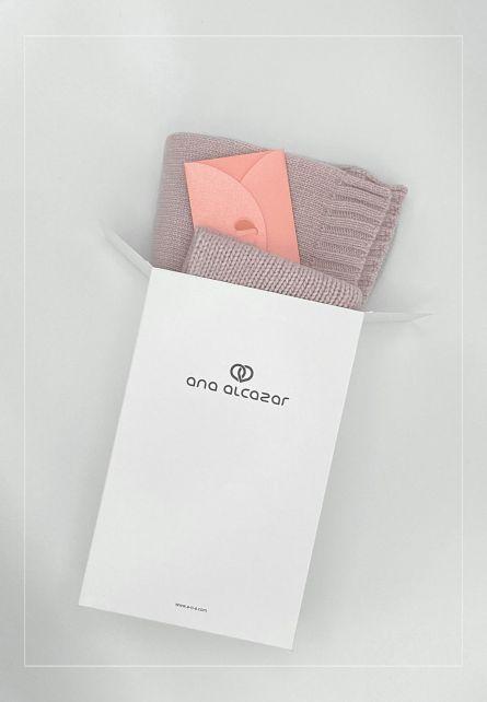 Gift set BLUSH scarf + beanie+ 50 € voucher