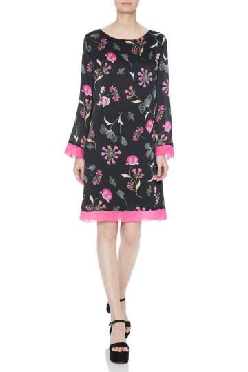 Vorderansicht von Ana Alcazar Tunika Kleid Nissa  angezogen an Model