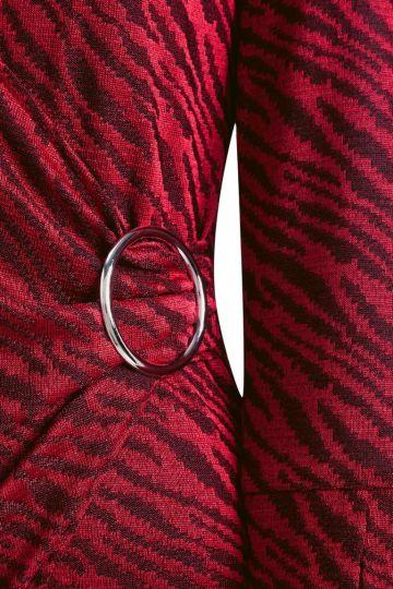 Vorderansicht von Ana Alcazar Wickelkleid Kimely Red  angezogen an Model