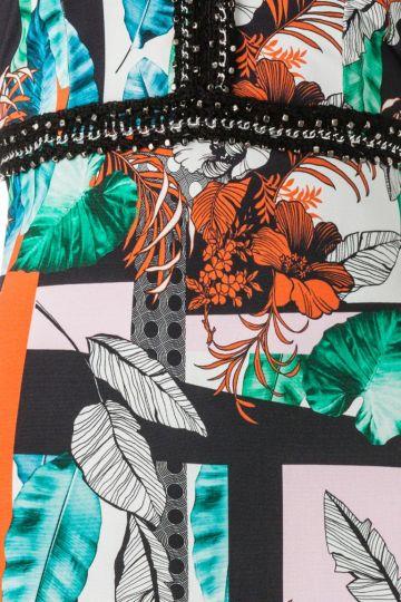 Vorderansicht von ana alcazar Tunika Kleid Amerolena  angezogen an Model