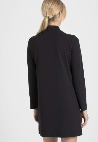 Rückansicht von Ana Alcazar Sportliches Kleid Palila  angezogen an Model