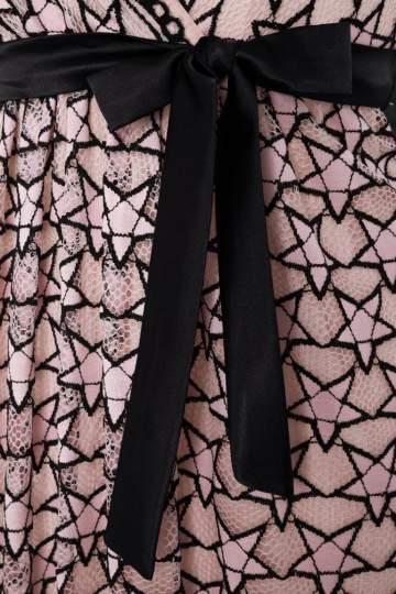 Detailansicht von Ana Alcazar Limited Edition Spitzenkleid Nimah