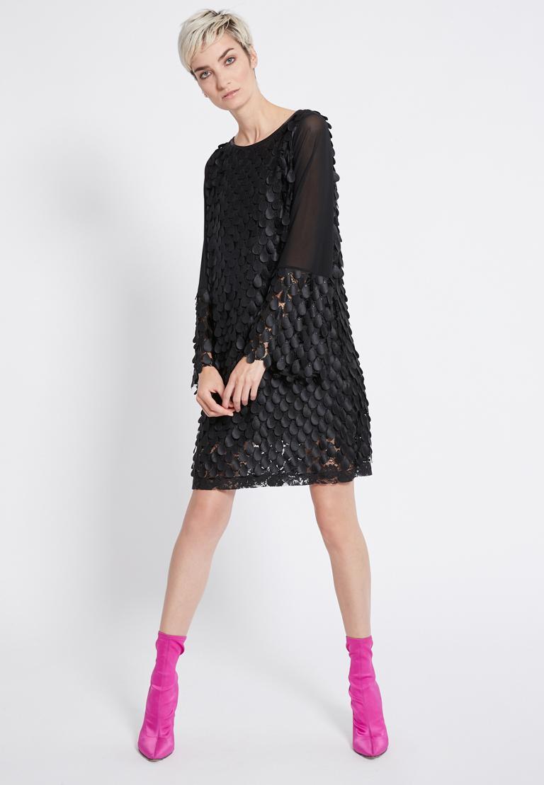 Rückansicht von Ana Alcazar Langarm Kleid Rikyas