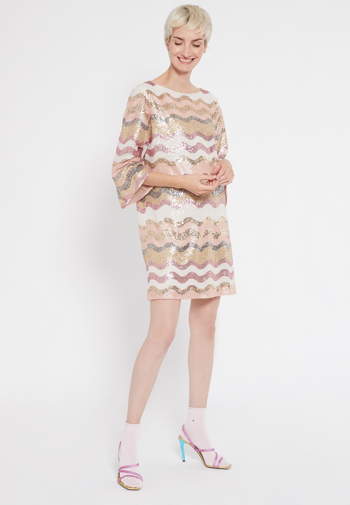 Rückansicht von Ana Alcazar Overszize Kleid Sabylea