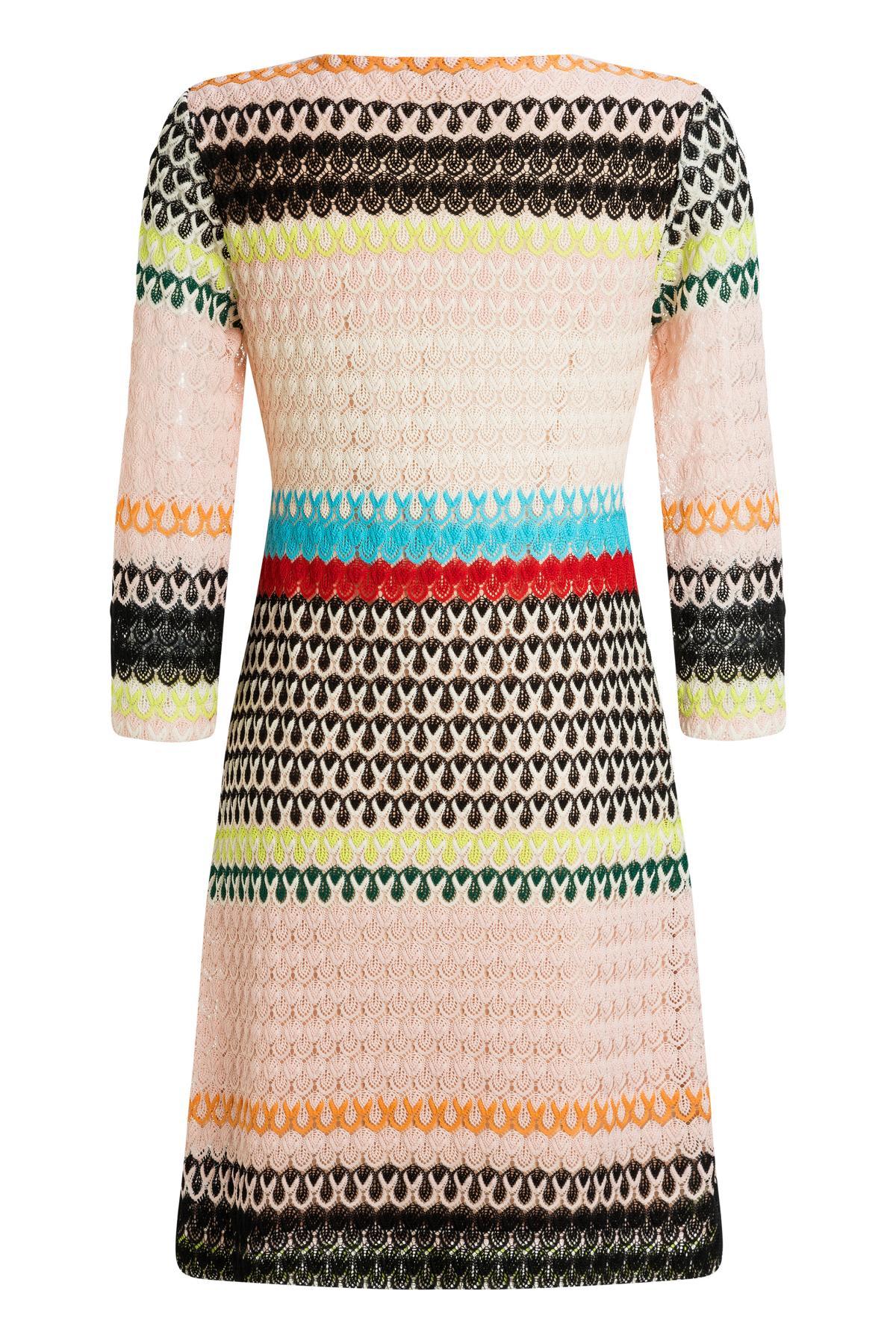 Rückansicht von Ana Alcazar Empire Kleid Mimikena