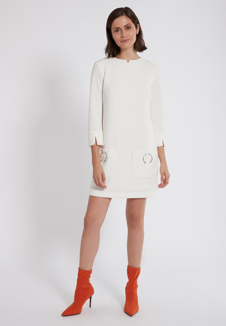Rückansicht von Ana Alcazar Sixties Kleid Perrinya