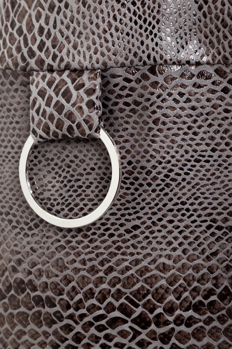 Vorderansicht von Ana Alcazar A-Linien Kleid Korana Grey  angezogen an Model