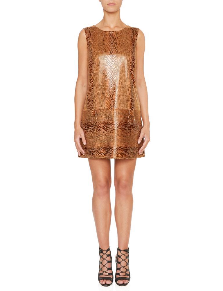 Vorderansicht von Ana Alcazar A-Linien Kleid Korana Brown  angezogen an Model