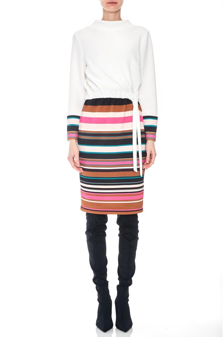 Vorderansicht von Ana Alcazar LIMITED Mix Kleid Penewe  angezogen an Model