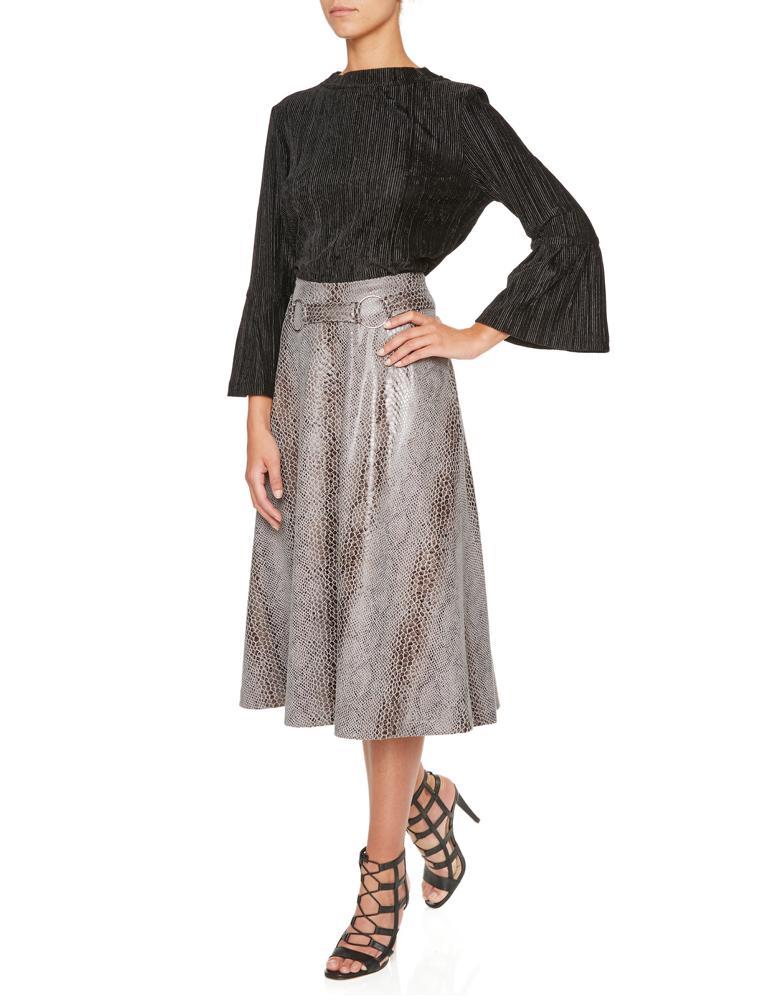 Vorderansicht von Ana Alcazar Tellerrock Koranea Grey  angezogen an Model