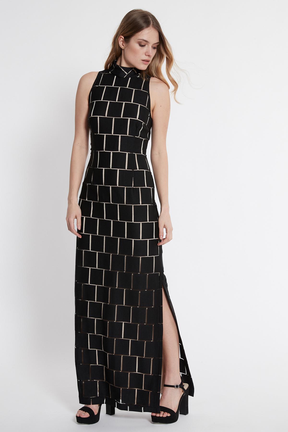 Vooraanzicht van Ana Alcazar Maxi Jurk Saminty Wit  gedragen per model