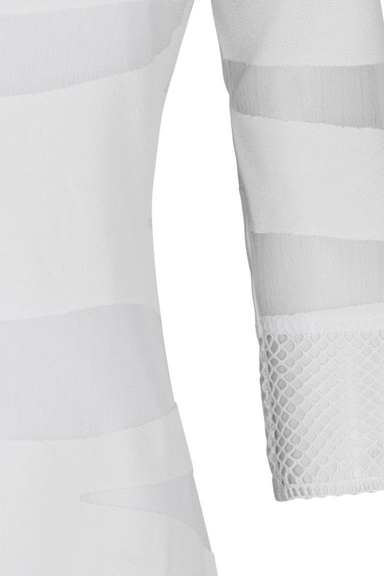Vorderansicht von Ana Alcazar Tunikakleid White Falery  angezogen an Model