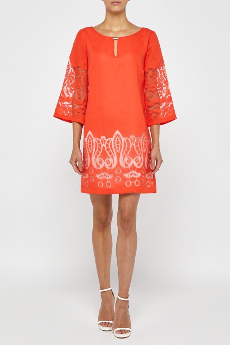 Vorderansicht von Ana Alcazar Tunika Kleid Red-White Feya  angezogen an Model