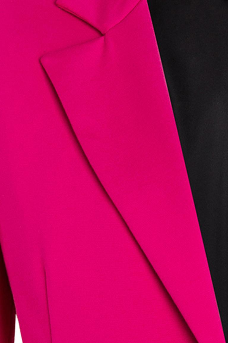 Vorderansicht von Ana Alcazar Blazer Onindy Pink  angezogen an Model