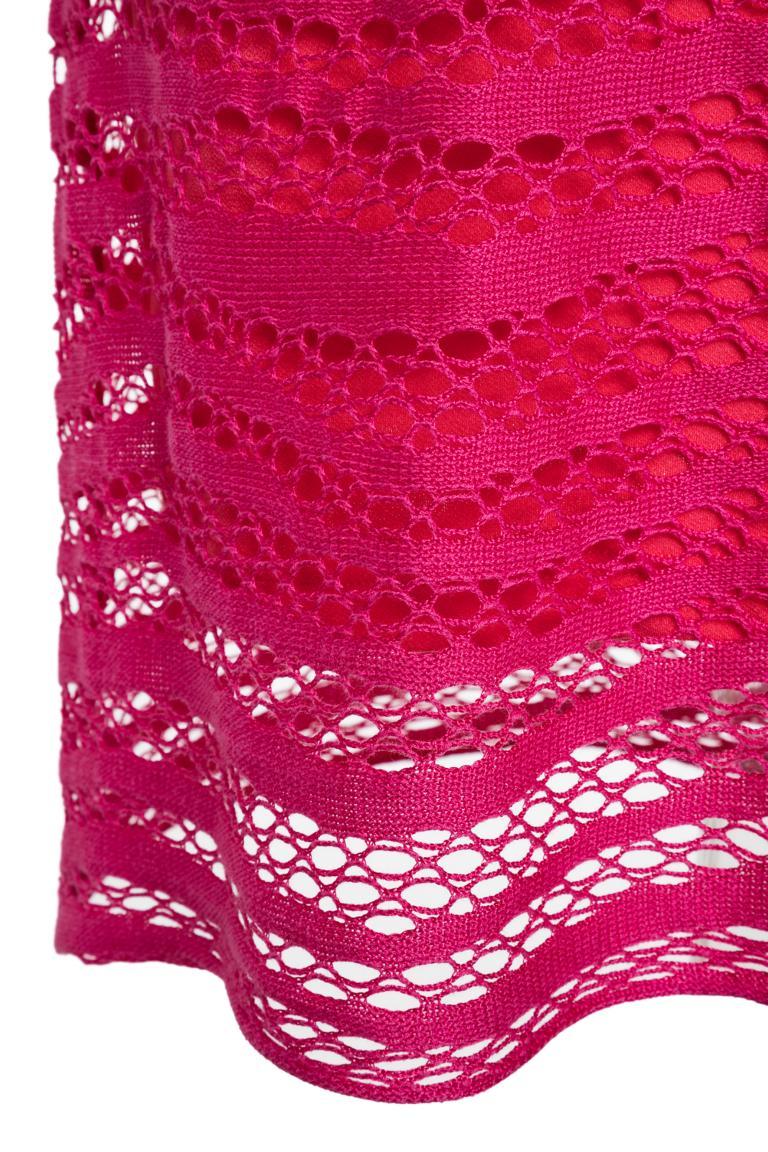 Vorderansicht von Ana Alcazar Limited Edition Kurzarmkleid Mynikky  angezogen an Model