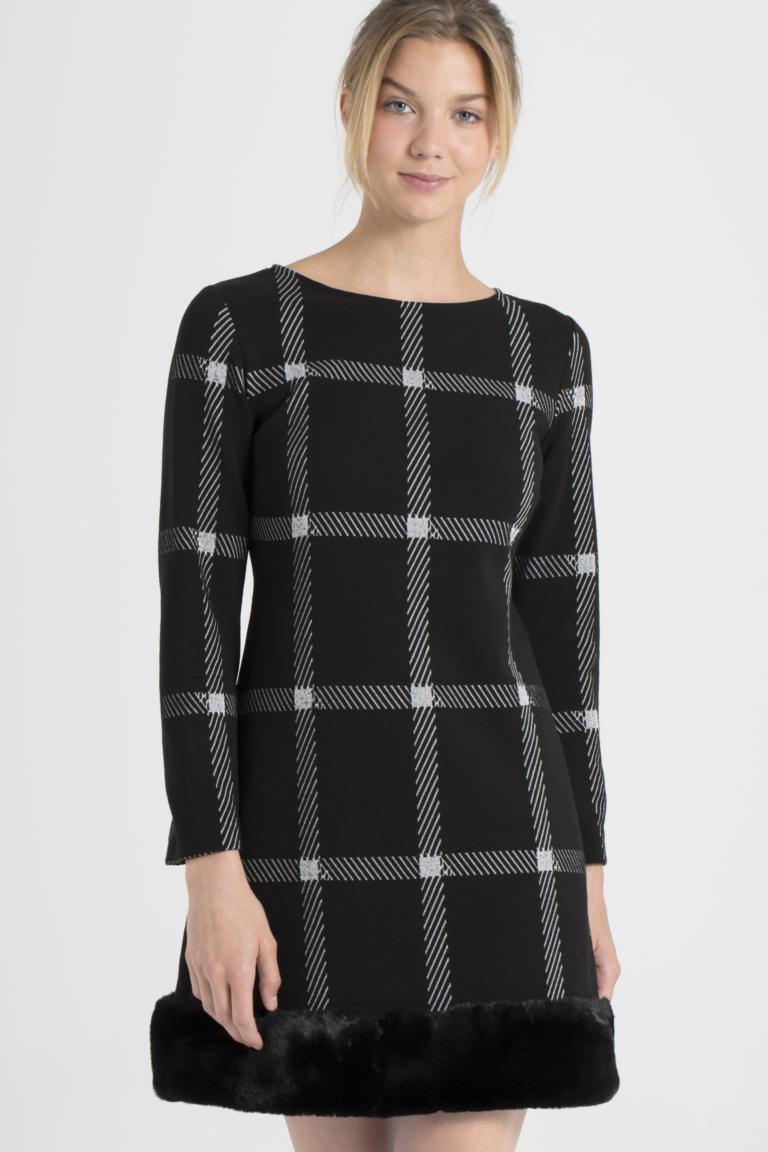 Vorderansicht von Ana Alcazar Fake Fur Kleid Pramia Schwarz  angezogen an Model