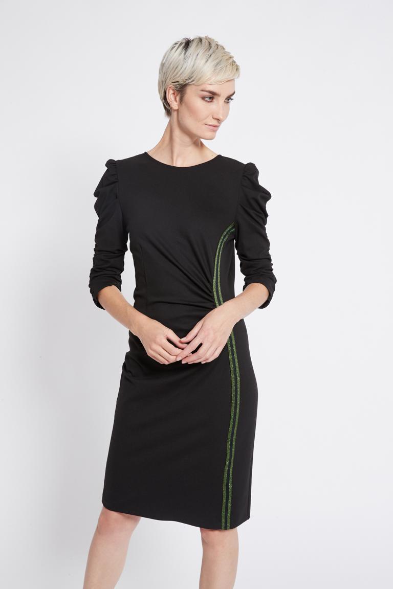Vorderansicht von Ana Alcazar Night-Out Kleid Resy  angezogen an Model