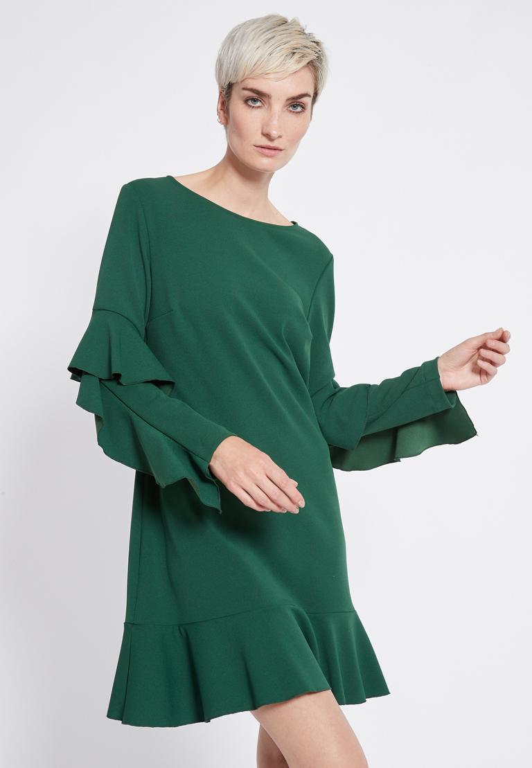 Vorderansicht von Ana Alcazar Volantärmel Kleid Romya Grün  angezogen an Model