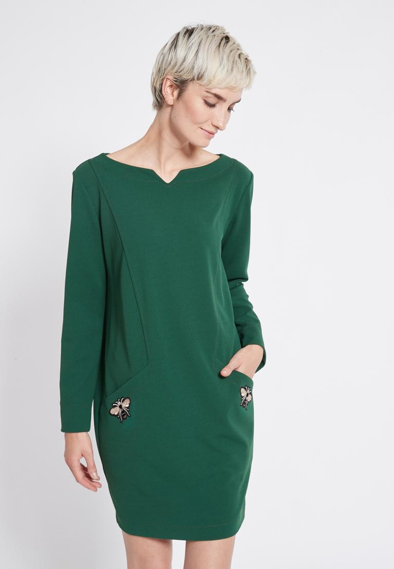 Vorderansicht von Ana Alcazar Weites Kleid Rosmy Grün  angezogen an Model