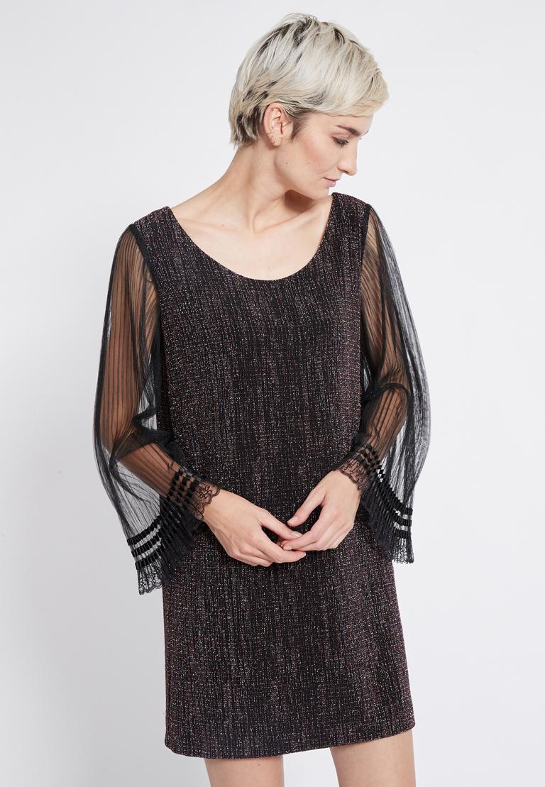 Vorderansicht von Ana Alcazar Glitter Plissee Kleid Rafys  angezogen an Model