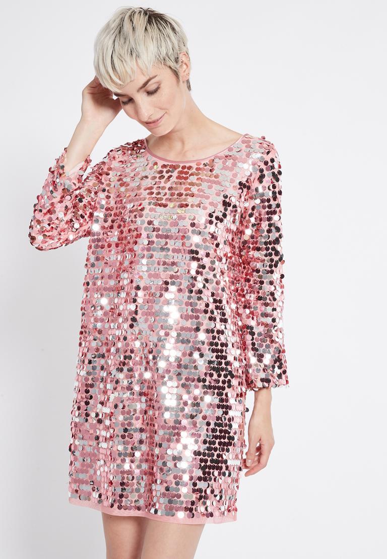 Vorderansicht von Ana Alcazar Glam Pailletten Kleid Rhetas Rose  angezogen an Model