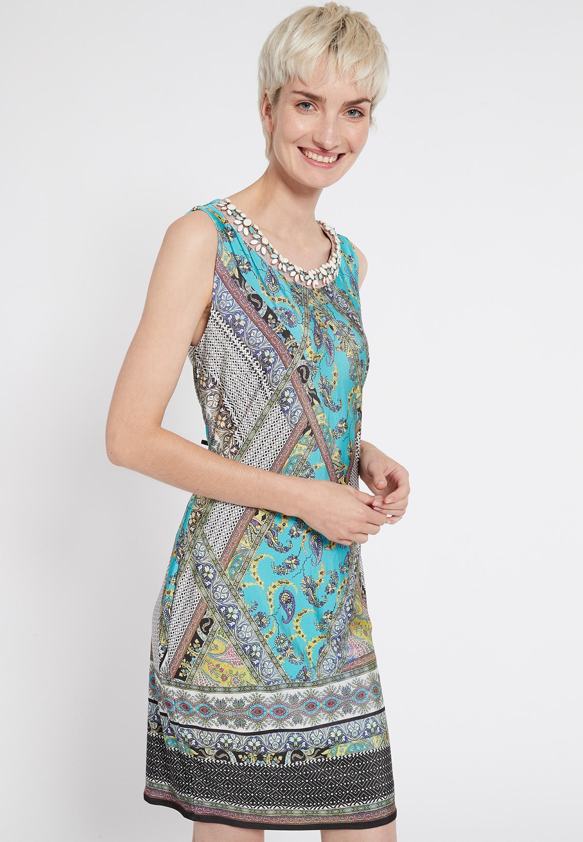 Vorderansicht von Ana Alcazar Ärmelloses Kleid Setane  angezogen an Model