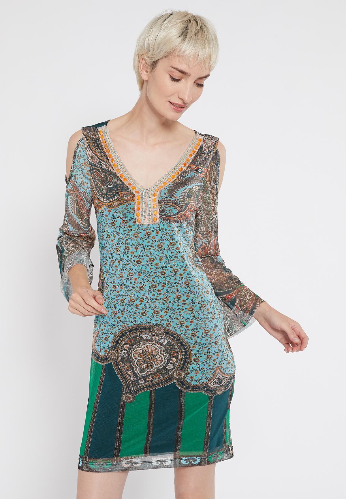 Vorderansicht von Ana Alcazar Deko Kleid Shalma  angezogen an Model