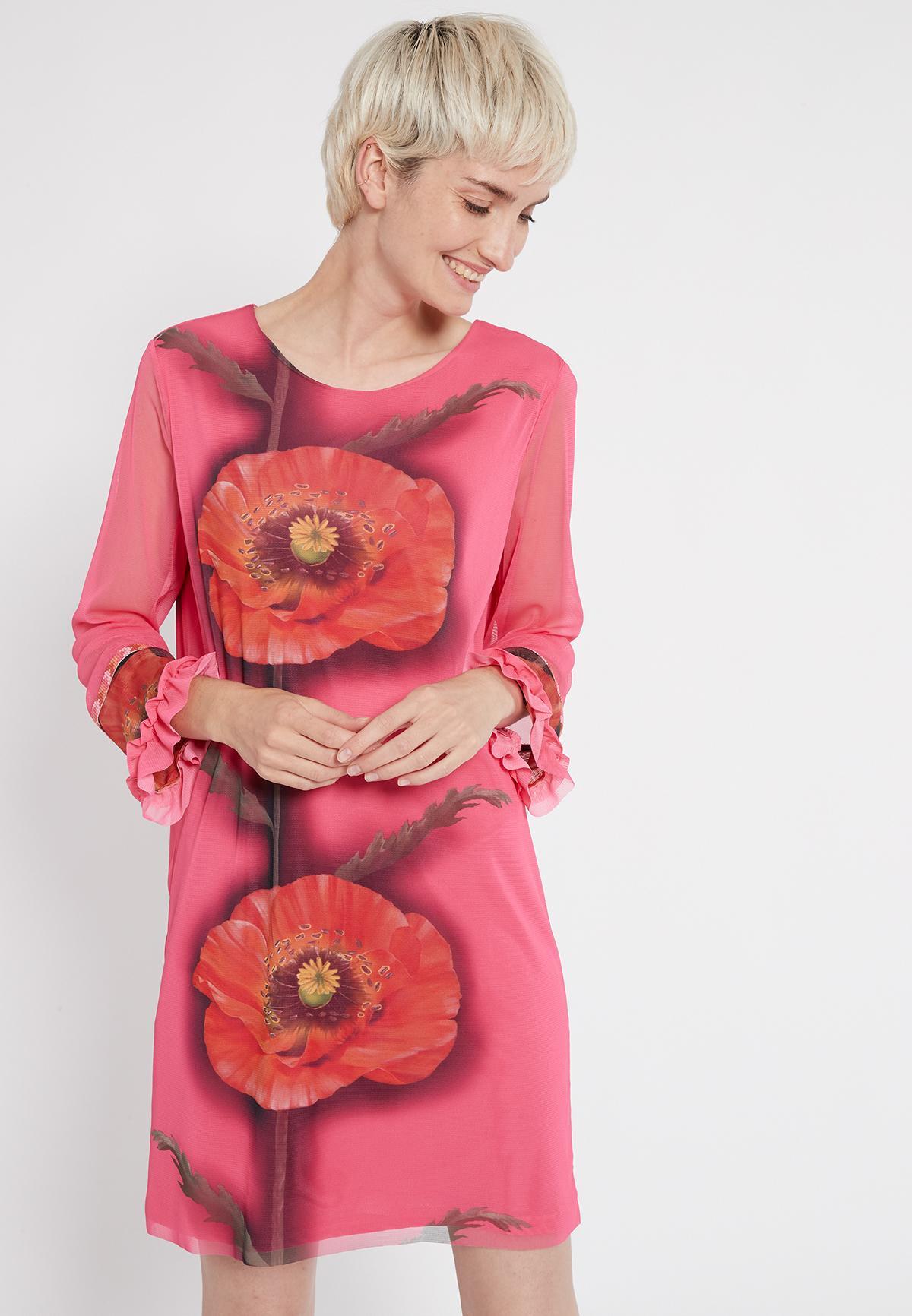 Vorderansicht von Ana Alcazar Langarm Kleid Siany  angezogen an Model