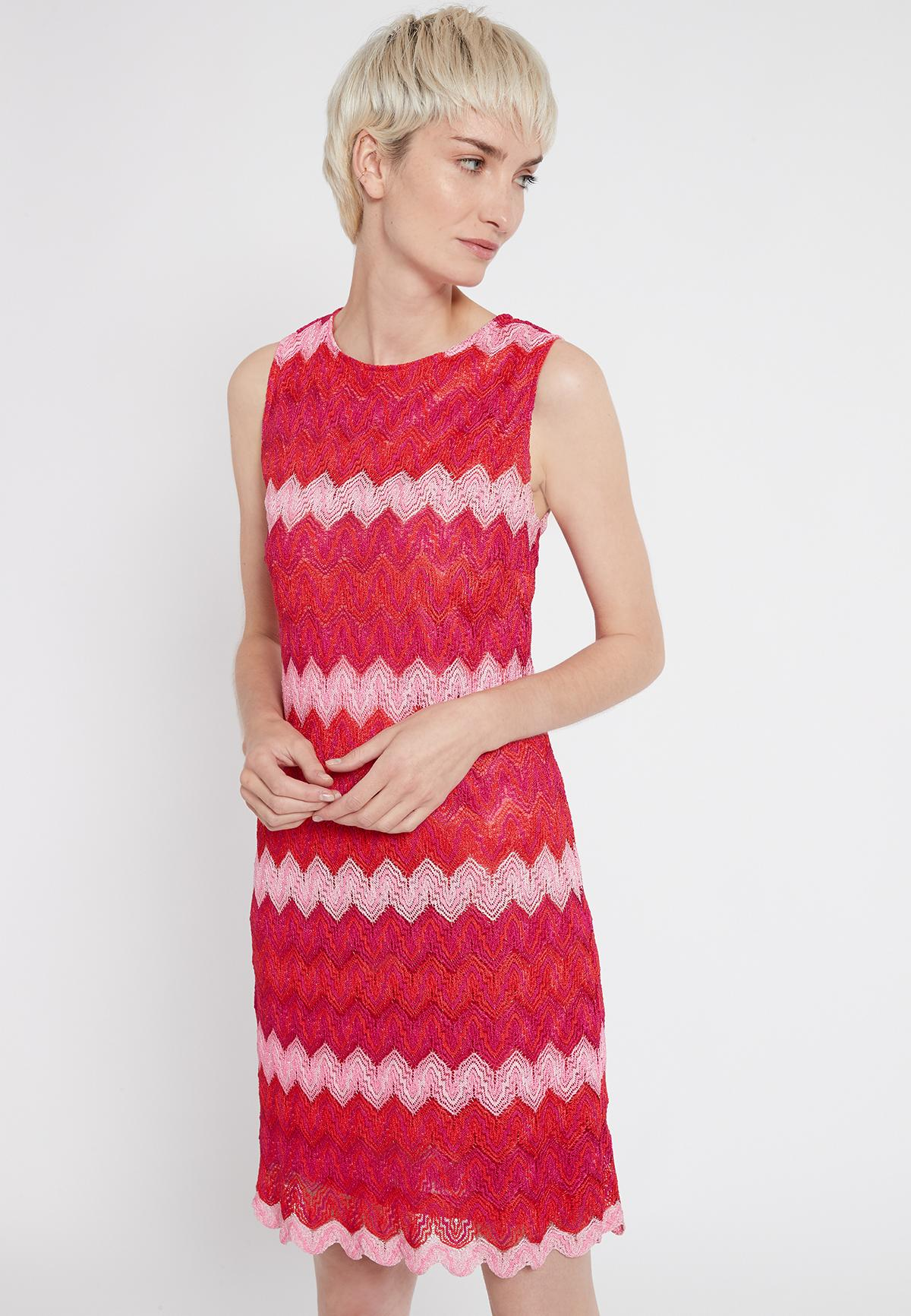 Vorderansicht von Ana Alcazar Ärmelloses Kleid Soshky  angezogen an Model