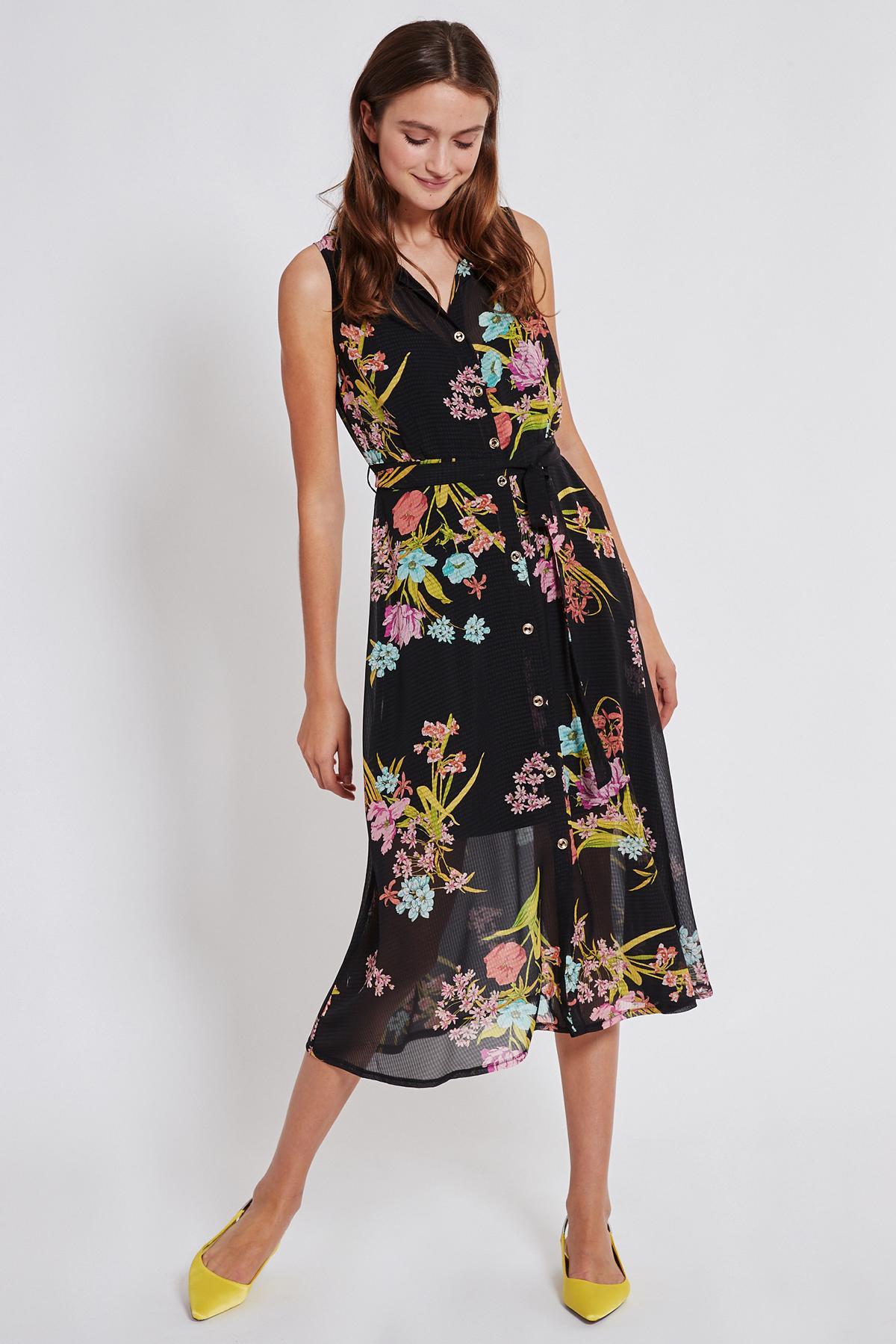 Vorderansicht von Ana Alcazar Blusen Kleid Tamisy  angezogen an Model