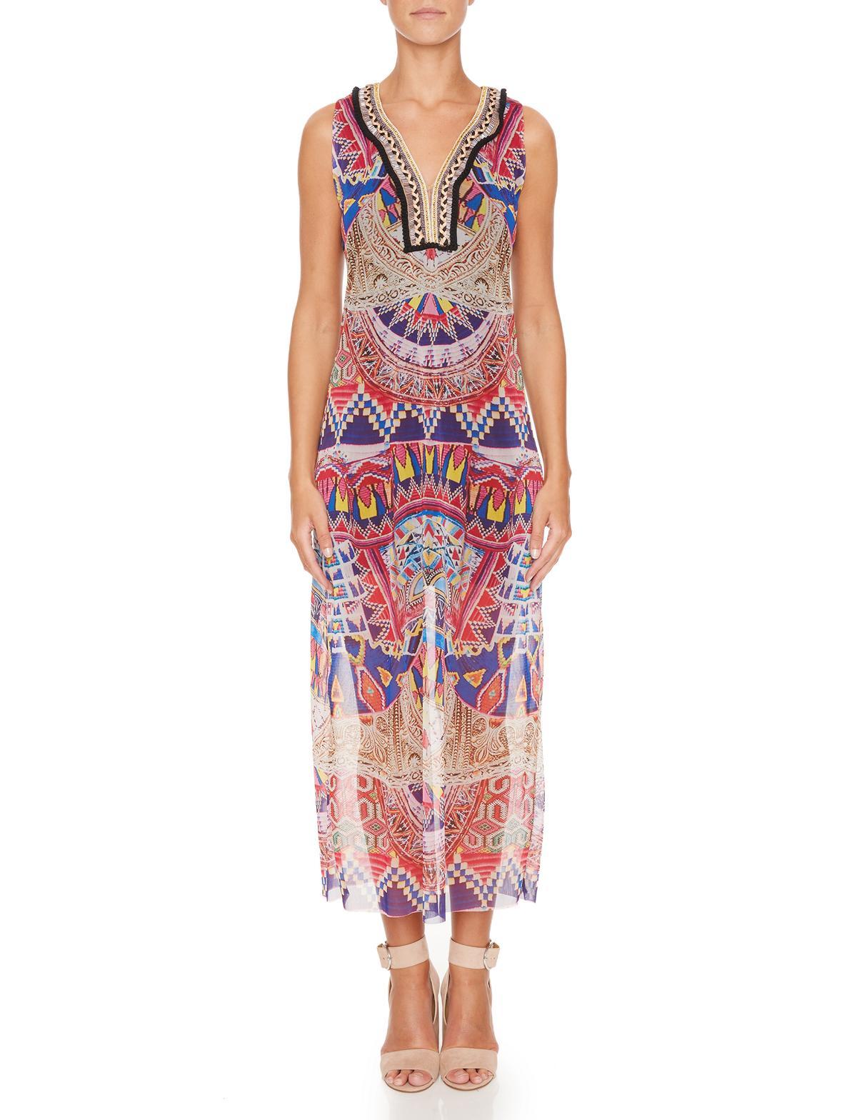 Vorderansicht von Ana Alcazar Maxi Kleid Melibenas  angezogen an Model