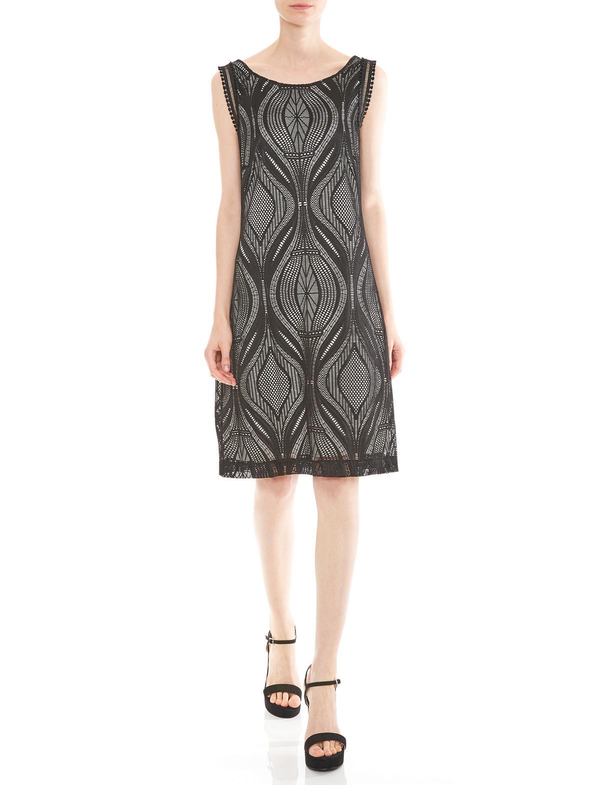 Vorderansicht von Ana Alcazar A-Linien Kleid Mulakys  angezogen an Model