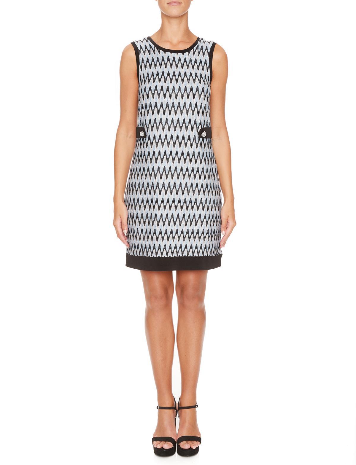 Vorderansicht von Ana Alcazar A-Linien Kleid Mailyke  angezogen an Model