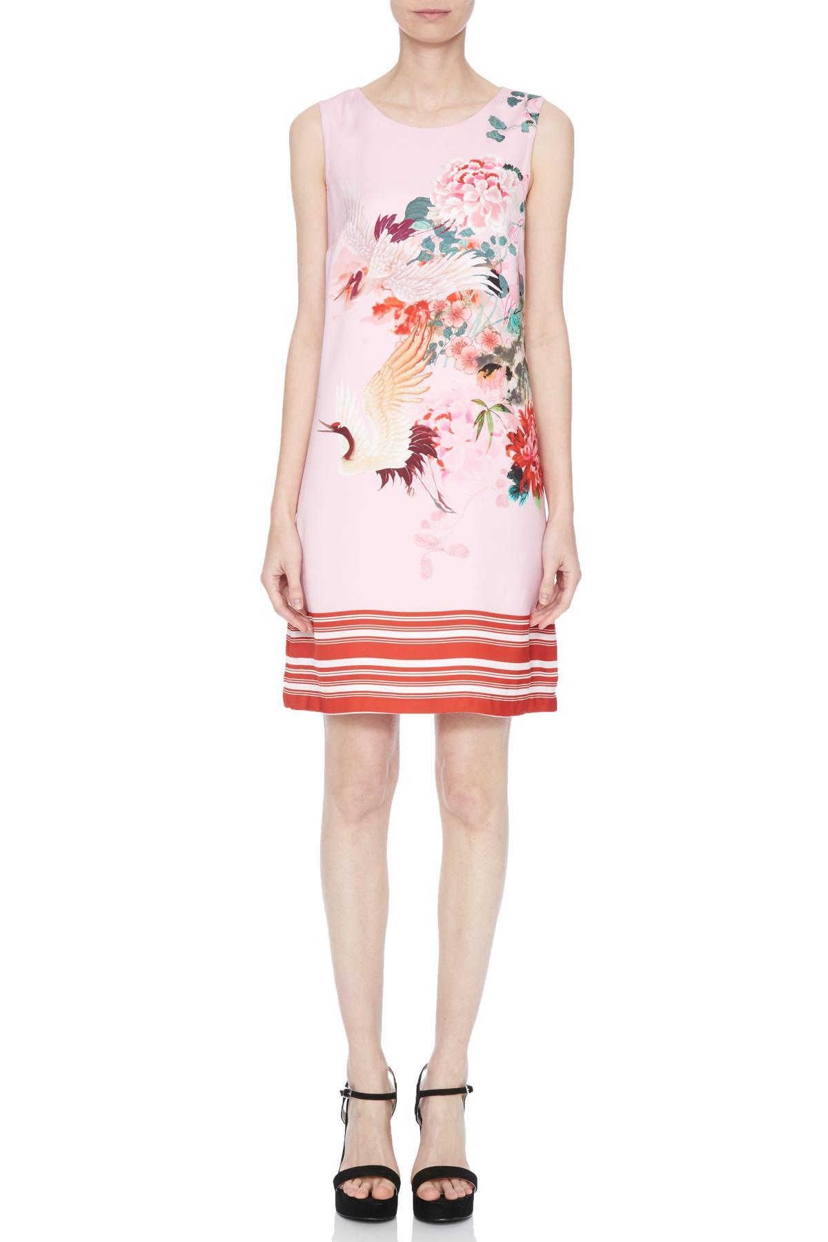 Vorderansicht von Ana Alcazar A-Linen Kleid Nea  angezogen an Model