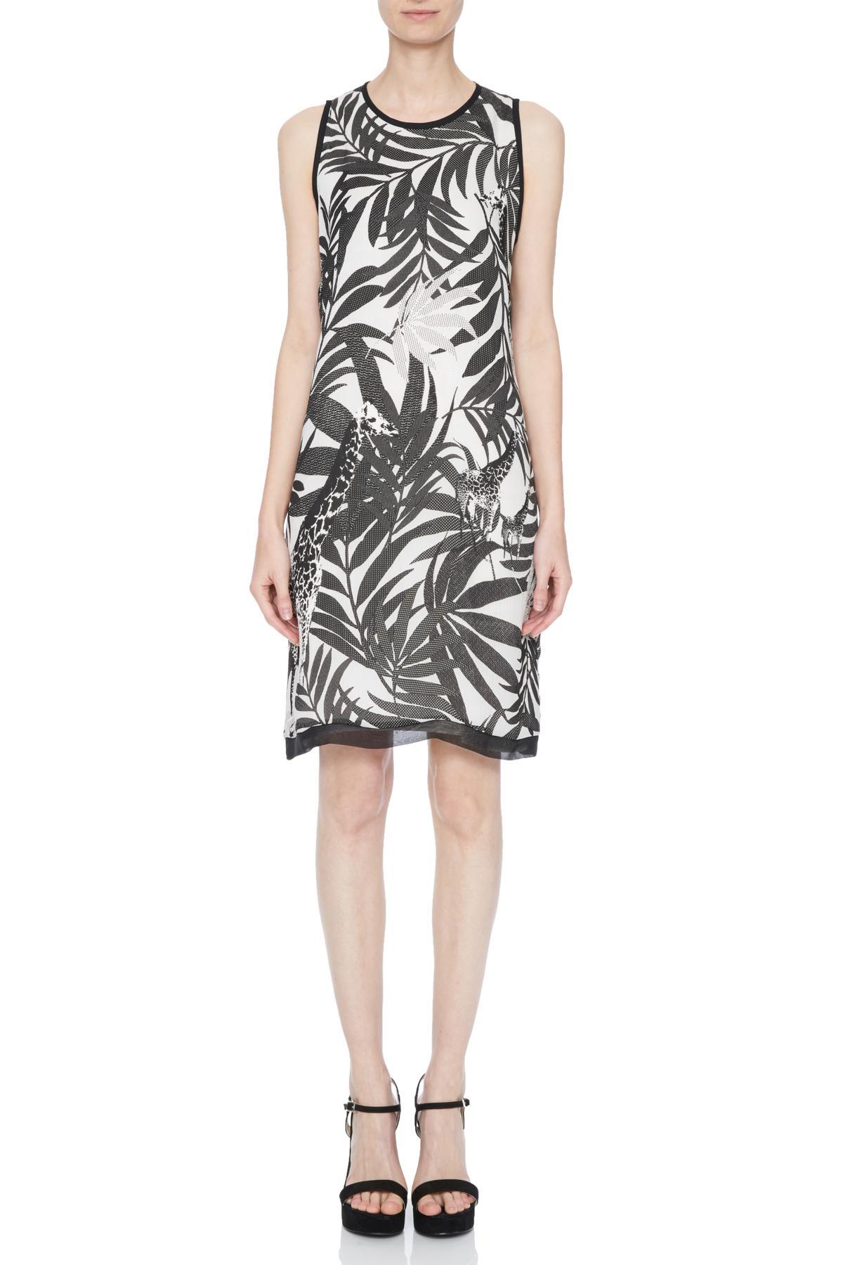 Vorderansicht von Ana Alcazar A-Linien Kleid Nelda  angezogen an Model