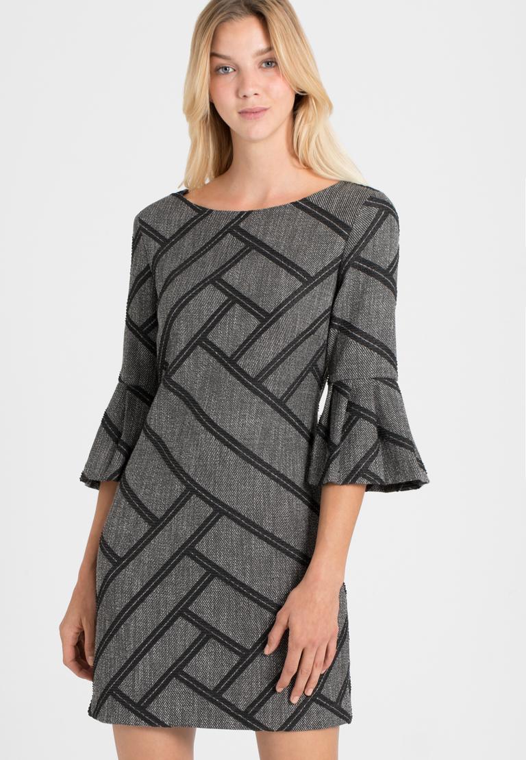 Vorderansicht von Ana Alcazar A-Linien Kleid Osyka  angezogen an Model