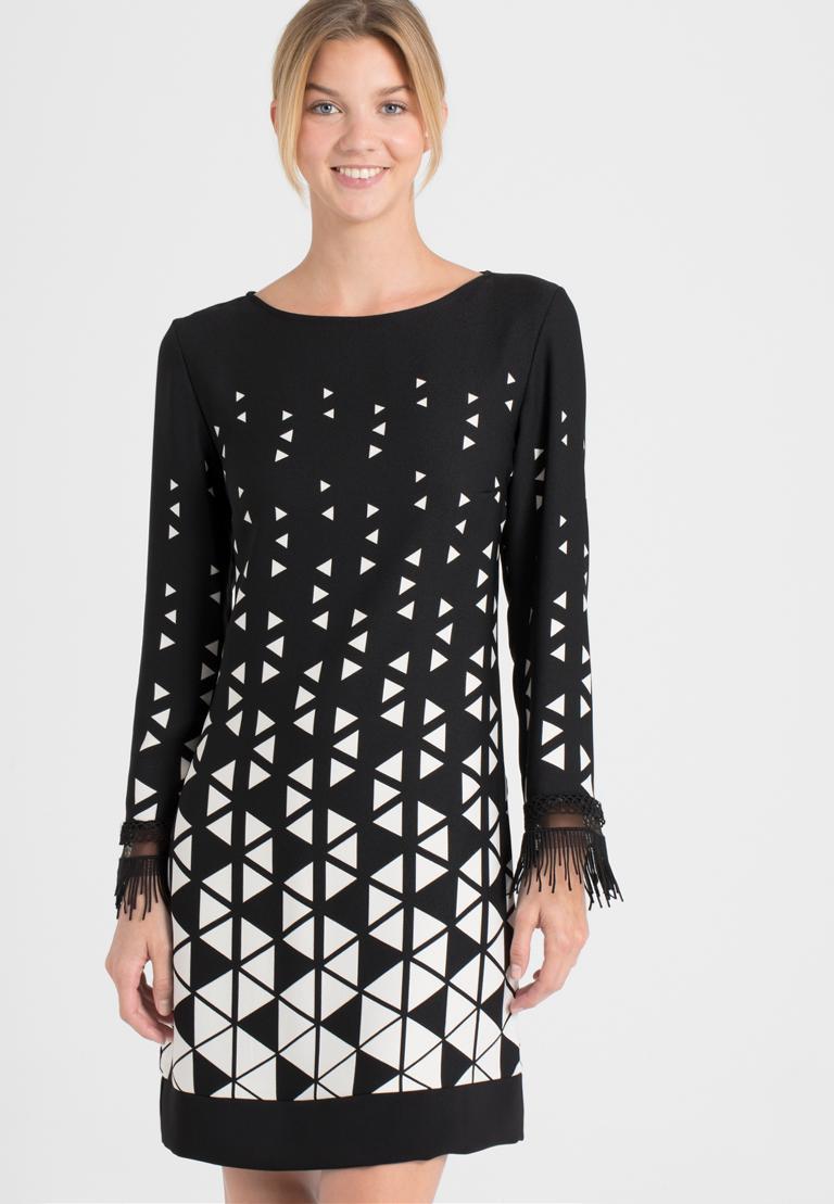 Vorderansicht von Ana Alcazar Graphic Kleid Ossanna  angezogen an Model