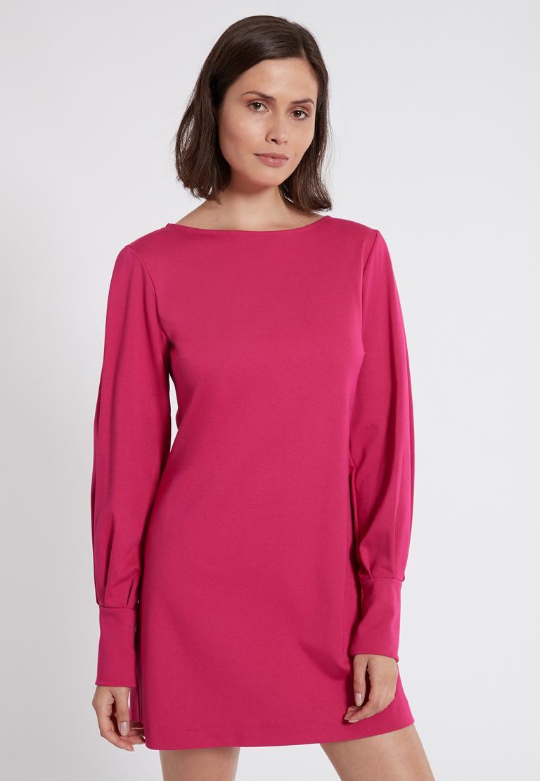 Vorderansicht von Ana Alcazar Puffärmel Kleid Olisudy Pink  angezogen an Model