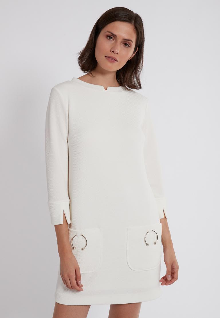 Vorderansicht von Ana Alcazar Sixties Kleid Perrinya  angezogen an Model
